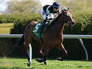 Daring Dancer Wins Appalachian With Key Move