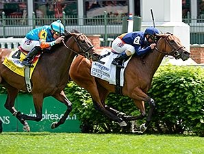 Coffee Clique Clicks in Distaff Turf Mile