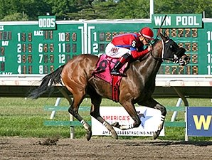 Monmouth-Winning Fillies Target Molly Pitcher