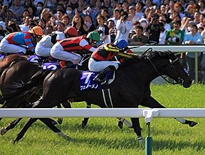 Fenomeno Returns for Second Tenno Sho Win
