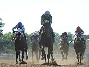NY-Bred Zivo Fires on Rail in Suburban Upset
