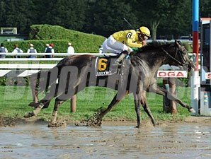 Quick Wit wins the 2012 National Museum of Racing Hall of Fame Stakes.