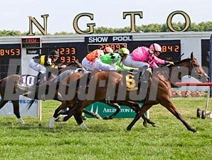 Havelock wins the 2011 Arlington Sprint.