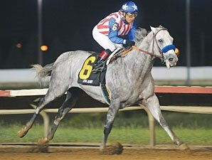 Concord Point Jets to Record in Iowa Derby