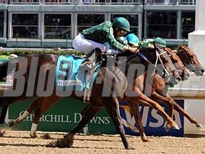 Intangaroo nosed out Baroness Thatcher (middle) and Hystericalady in the Humana Distaff (gr. I) at Churchill Downs.
