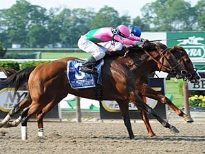Shackleford Hangs On to Win Metropolitan
