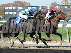 Buffum defeats Cool Blue Red Hot for maiden win, 10/30/10.