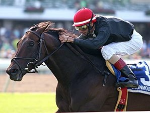 Boisterous Looks to Step Up in Man o' War
