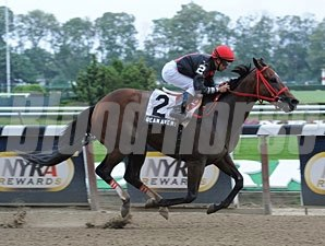 Sean Avery wins the 2012 Affiliate Stakes.