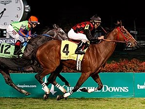 Surging River Seven Takes Commonwealth Turf