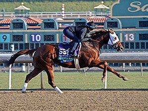 Groupie Doll Gallops Strongly for F&M Sprint