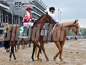 Normandy Invasion Kentucky Derby Post Parade
