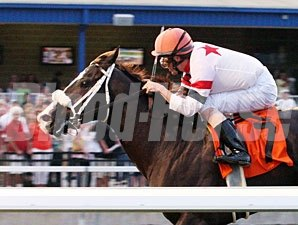 Eternal Rule wins the 2012 Presque Isle Mile.