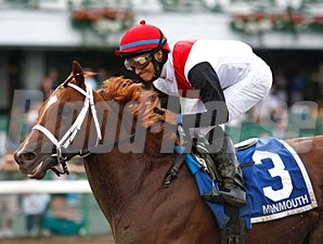 Trappe Shot wins the 2010 Long Branch.