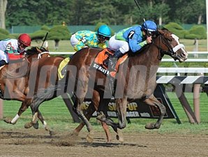 So Many Ways wins the 2012 Schuylerville.