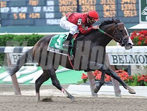 Flat Out wins the 2011 Suburban.