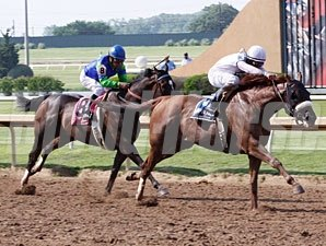 Endorsement wins the 2012 Texas Mile.