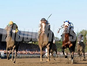 Will Take Charge wins the 2013 Travers Stakes.