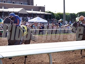 Game On Dude wins the 2010 Lone Star Derby.