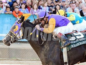 Archarcharch wins the 2011 Arkansas Derby.