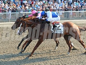 Shackleford defeats Caleb's Posse in the Met Mile.