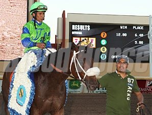 Redeemed wins the 2011 Oklahoma Derby.