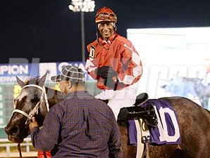 Cowgirl N Up wins the 2013 Yellow Rose Stakes.