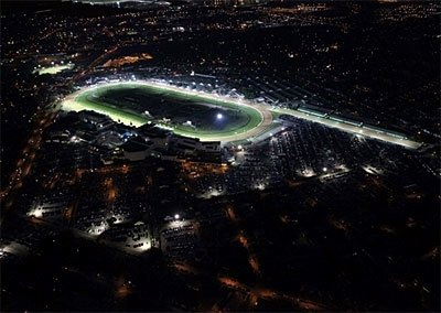 A crowd of 28,011 attended the historic first night of racing under the lights at Churchill Downs on Friday, June 19, 2009.
