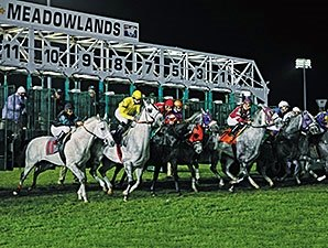 Thoroughbred Racing Returns to Meadowlands