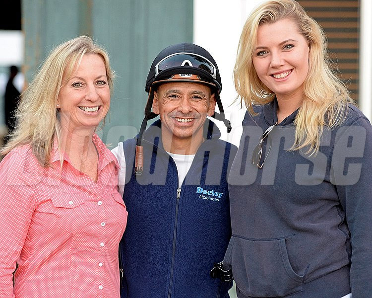 Caption: l-r, trainer Leah Gyarmati, Mike Smith, and Gyarmati's daughter Rachel Battle.