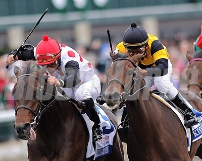 Brillliant Speed edges out Twinspired to win the 2011 Blue Grass Stakes.