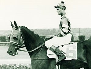 Former Jockey, Racing Official Volzke Dies