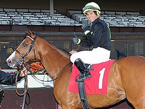 Castellano Wins Six at Aqueduct
