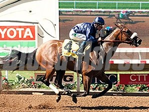 Taris wins the Rancho Bernardo Stakes.