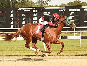 Morning Fire Holds Sway in Pasco Stakes