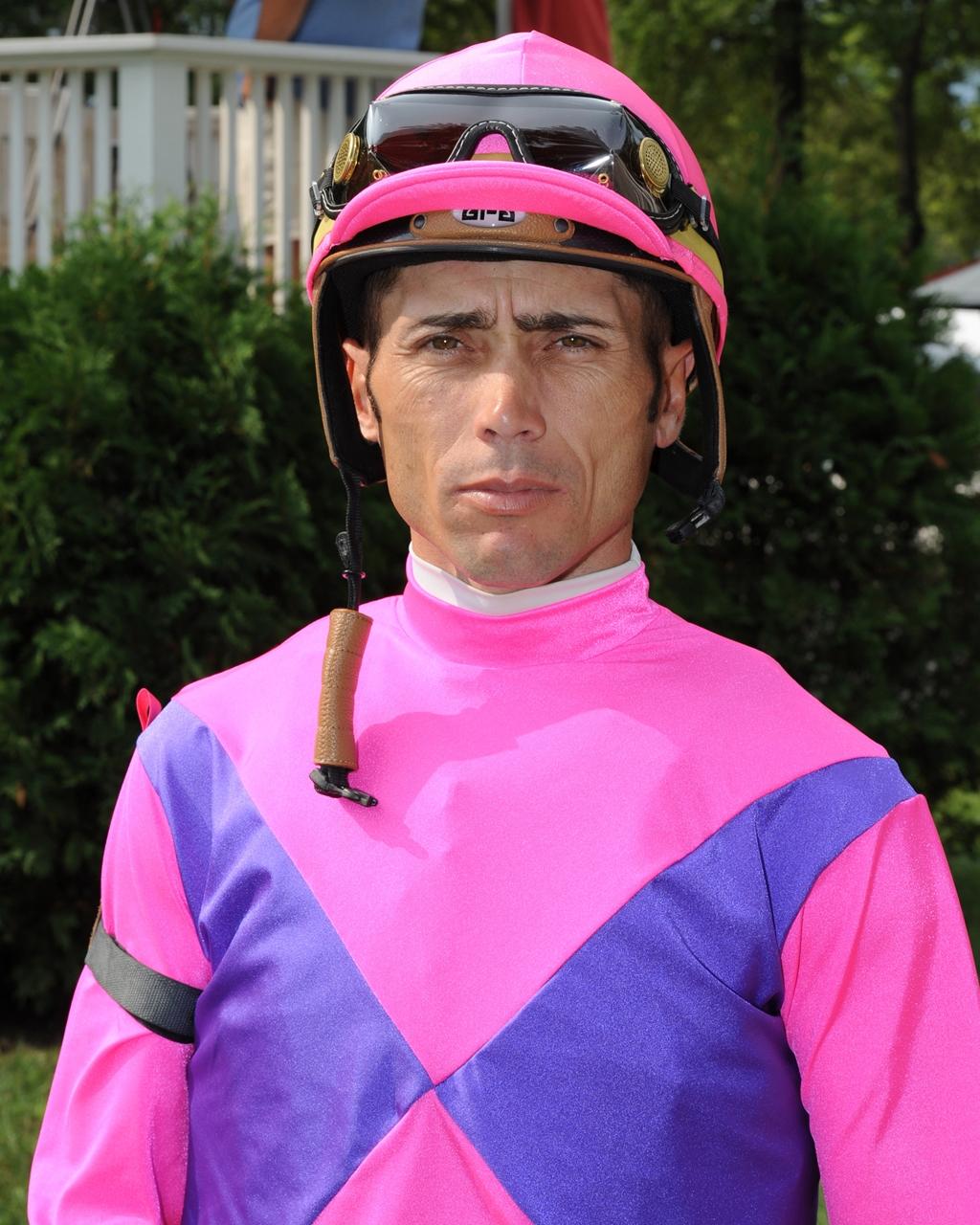 Jockey Garrett Gomez Dies at Age 44