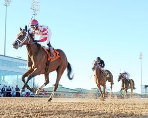 Unbridled Mo Upsets 'Chatterbox' in Houston Ladies
