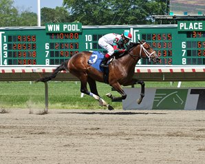 Firenze Fire First Winner for Poseidon's Warrior