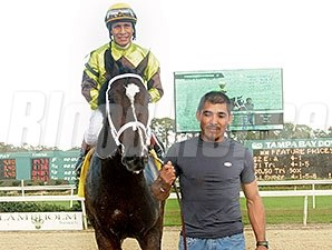 Sam F. Davis winner Vinceremos