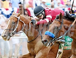 Tapiture outfinishes Candy Boy to take the West Virginia Derby.