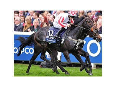 Slade Power fights off Jack Dexter to win the QIPCO British Champions Sprint Stakes.