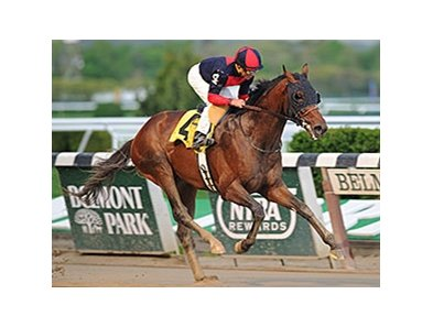 "Tonalist rolls to victory in the Peter Pan.<br><a target=""blank"" href=""http://photos.bloodhorse.com/AtTheRaces-1/At-the-Races-2014/i-TDrjfFN"">Order This Photo</a>"