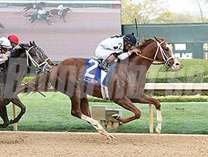 Will Take Charge delivers a victory in the Oaklawn Handicap.