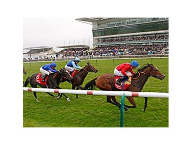 "Integral dominates the Kingdom of Bahrain Sun Chariot Stakes.<br><a target=""blank"" href=""http://photos.bloodhorse.com/AtTheRaces-1/At-the-Races-2014/i-LMjnFTT"">Order This Photo</a>"