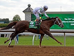 Carpe Diem leads them home in the Claiborne Breeders' Futurity.