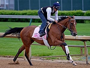 Pair of Oaks Fillies Work at Churchill Downs