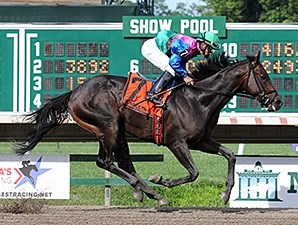 Itsmyluckyday wins the Salvator Mile.