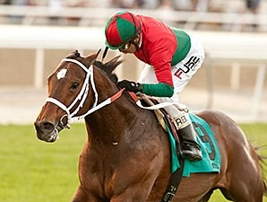 Jeranimo rolls home to win his third San Gabriel Stakes.