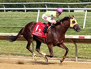 Belle Gallantey runs away with the Delaware Handicap.