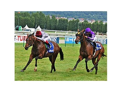 The Wow Signal (IRE) wins the Prix Morny.